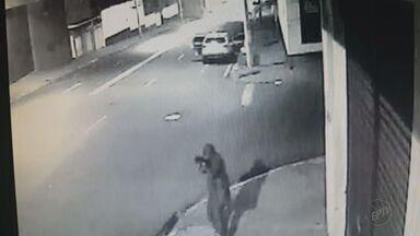 Esquema de aluguel de armas pode ter sido usado no assalto a Prossegur em Ribeirão - O Instituto de Criminalística descobriu que um dos fuzis encontrados depois do roubo à transportadora de valores já tinha sido usado em um assalto a banco em Guará, um mês antes.