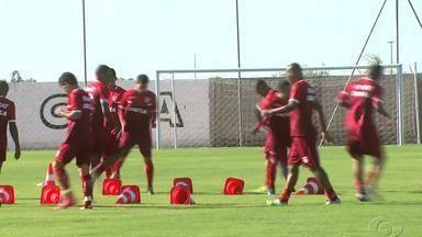 CRB e Itabaina se enfrentam para definir quem segue pela Copa Nordeste - Jogo será realizado às 21h45.