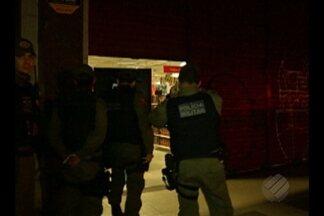 Em Belém,tentativa de assalto a uma loja de departamentos terminou com funcionárias reféns - Ela ficaram durante quatro horas sob a mira de revólveres.