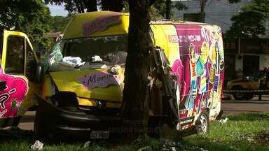 Motorista de uma van morre em um acidente na avenida Morangueira - Uma outra motorista que se envolveu no acidente estava com a carteira de habilitação vencida e foi encaminhada a delegacia