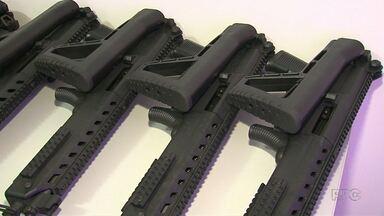 Moradores de Laranjeiras do Sul fazem vaquinha de 30 mil pra comprar armas para a polícia - Os moradores levantaram dinheiro e compraram um armamento mais forte pra ajudar os policias na segurança na cidade.
