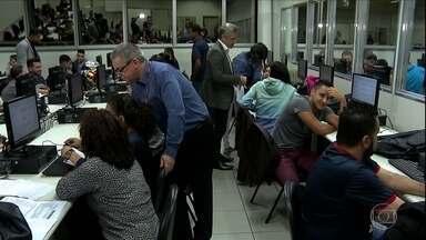 Prazo para entrega do Imposto de Renda termina dia 28 de abril - Muita gente não quer deixar para última hora.