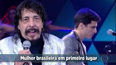 Benito di Paula canta 'Mulher Brasileira' - O cantor levanta a galera com o sucesso