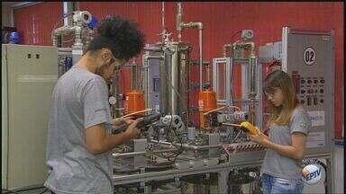 Senai oferece 20 vagas para cursos gratuitos em Sertãozinho, SP - Há oportunidades de qualificação profissional para ajustador mecânico, automação industrial e auxiliar de manutenção.