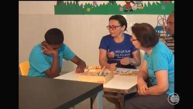 Em Floriano, pais e amigos autistas se mobilizam para levar mais informações sobre a síndr - Em Floriano, pais e amigos autistas se mobilizam para levar mais informações sobre a síndrome