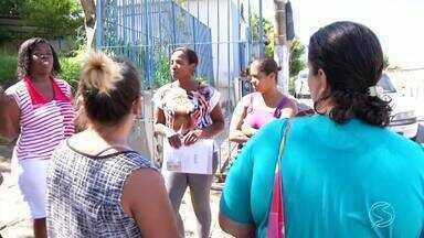 Paulinho da Escola mostra reclamações de pais de alunos de Volta Redonda, RJ - Eles falam que faltam professores na Creche Cora Coralina.