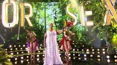 Virgínia Rodrigues e banda do 'Amor & Sexo' cantam 'Andar com Fé' - Apresentação musical abre o segundo bloco do programa