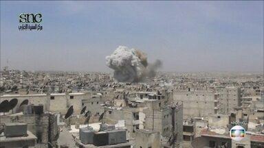 Guerra da Síria se transformou na maior crise humanitária da atualidade - Primavera Árabe chegou à Síria em 2011, mas não derrubou ditador. Revolução popular evoluiu para uma guerra que soma 400 mil mortos.