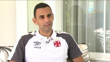 Após boa atuação no clássico, Rafael Marques curte classificação do Vasco para final - Zagueiro foi responsável pela marcação atacante Guerrero e recebeu elogios da torcida vascaína.