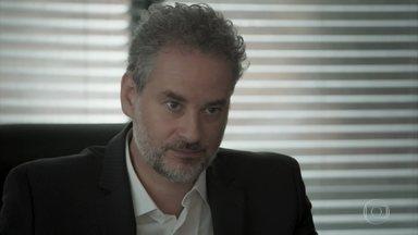 Eugênio fica incomodado quando Silvana avisa que vai reassumir a obra do escritório - Irene deixa uma abertura para o marido de Joyce procurá-la