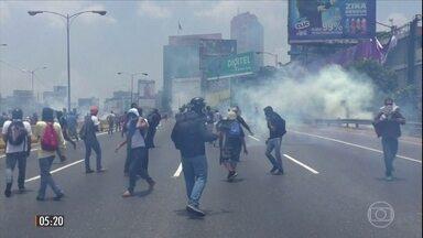 Brasil e OEA pedem eleições gerais na Venezuela - A segunda-feira (9) foi mais um dia de protestos e repressão nas ruas em Caracas. O governo brasileiro e a Organização dos Estados Americanos pediram eleições gerais na Venezuela como uma solução para a grave crise política e econômica no país.