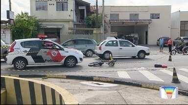 Mulher é morta a tiros na Estiva em Taubaté - Crime foi na avenida Voluntário Benedito Sérgio.