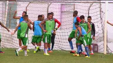 Salgueiro faz último treino antes da decisão contra o Santa Cruz - As equipes se enfrentam neste sábado.