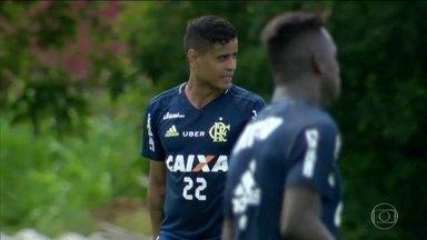 Flamengo se prepara para jogar pela primeira vez após lesão de Diego - Flamengo se prepara para jogar pela primeira vez após lesão de Diego