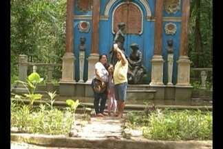 Paraenses aproveitam feriado para curtir a natureza em pontos da capital - Muita gente preferiu ficar em Belém na companhia da família no segundo feriadão seguido no mês de abril.