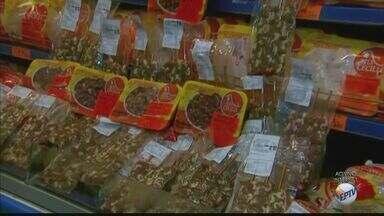 Feriados elevam o preço do kg do coração de frango - Procura pelo petisco cresceu devido aos feriados. Outros cortes, em compensação, ainda não caíram no gosto do brasileiro.
