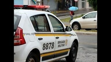 Brigada Militar realiza operação Avante Tiradentes em Santa Maria, RS - O objetivo é retirar drogas e armas de circulação. A operação acontece em todo o estado.