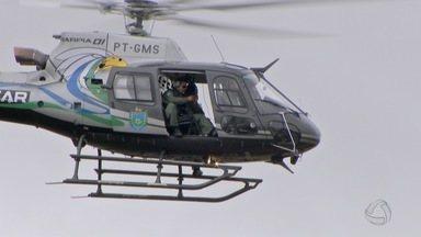 PM usa helicóptero para reforçar fiscalizações em MS no feriado de Tiradentes - A polícia apreendeu drogas, armas e capturou foragidos da Justiça.