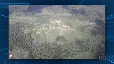 Polícia de Mato Grosso investiga chacina em área de sem-terra - Segundo testemunhas, um grupo de encapuzados chegou atirando. Pastoral da Terra fala em dez mortos, mas autoridades não confirmam.