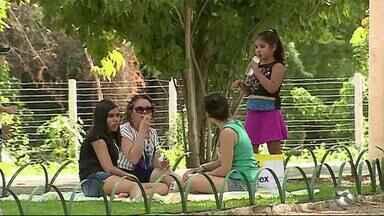 Parques são opções para o feriado em Caruaru - Pessoas procuram tranquilidade nos parques