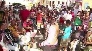 Mestre Camarão é homenageado em Caruaru - Músicos e parentes relembraram canções do artista