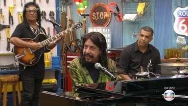 Benito Di Paula canta 'Charlie Brown' - Cantor comemora 45 anos de carreira e relembra seu início na música