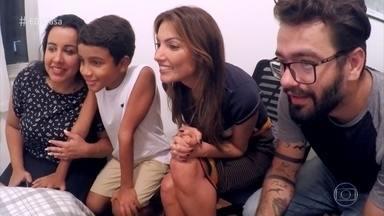 Confira as emoções da estreia do quadro 'Meu Bom Vizinho' - Fábio Basso ajuda Gabrielle e o filho João Miguel a preparar uma surpresa especial para a vizinha Lúcia