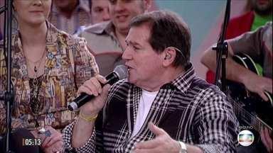 Cantor Jerry Adriani morre aos 70 anos vítima de câncer no RJ - Corpo do ídolo da Jovem Guarda será velado no Cemitério Francisco Xavier, no Caju, na zona portuária do Rio de Janeiro.