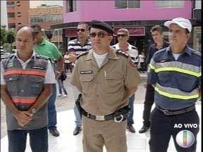 Autoridades falam sobre operações de prevenção no trânsito em Montes Claros - Fiscalização contra o transporte clandestino foi realizada.