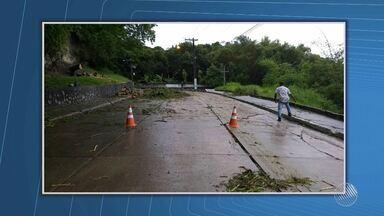 Chuva forte atinge Porto Seguro desde o fim de semana - Veja no quadro Previsão do Tempo.