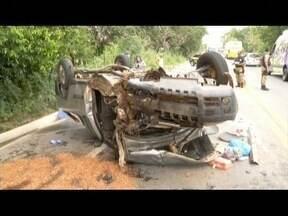 Uma pessoa morre e 5 ficam feridas em acidente envolvendo três carros na BR-381 - Feridos foram socorridos pelo Bombeiros e Samu ao hospital de Governador Valadares.