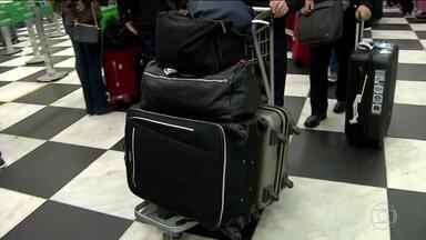 Procon de SP estuda que medidas tomar contra liminar que liberou a cobrança de bagagens - A decisão saiu no fim de semana e muita gente ainda não sabe quando e se vai pagar.
