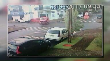 Acidente deixa duas pessoas feridas em Pato Branco - Uma das vítimas é uma criança de 8 anos.