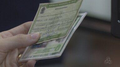 Eleitores lotam cartórios em Macapá no último dia de regularização do título - Prazo encerrou nesta terça-feira (2). Quem não se regularizou pode ser impedido de assumir cargo público ou ingressar em universidades.