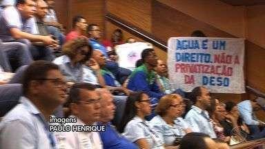 Funcionários da Deso e entidades debateram possível privatização dos serviços do órgão - Funcionários da Deso e representantes de entidades debateram privatização dos serviços do órgão.