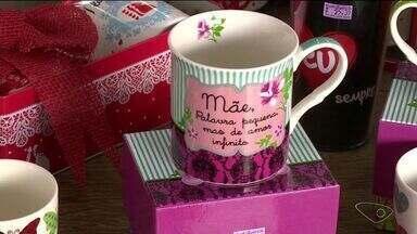 Comerciantes falam sobre expectativa para o Dia das Mães em Cachoeiro, no Sul do ES - Eles apostam no carinho dos filhos para aquecer as vendas.