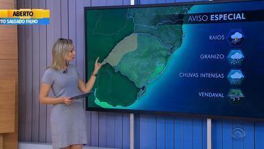 Tempo: confira o amanhecer no interior do RS nesta segunda-feira (8) - Faixa oeste do estado tem previsão de forte instabilidade.