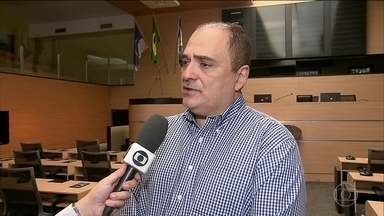 Vereadores do Recife desistem de reajustar vale-alimentação - Parlamentares chegaram a reajustar o vale-alimentação para quase R$4 mil, mas a Mesa Diretora revogou o aumento depois da reportagem do Bom Dia Brasil sobre o assunto.