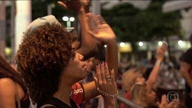 Como um domingo de decisão mexe com as emoções dos torcedores no Rio de Janeiro - A cidade parou para acompanhar mais um Fla-Flu decisivo, que terminou em carnaval para os rubro-negros.