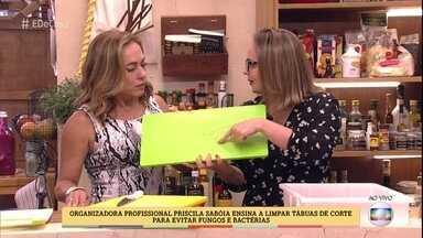 Aprenda tudo sobre tábuas de corte - Organizadora profissional Priscila Sabóia ensina a limpar tábuas para evitar fungos e bactérias