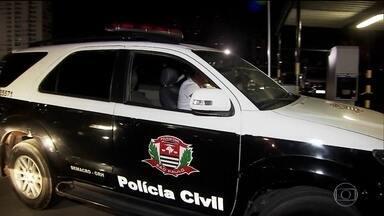 Polícia faz operação contra maior facção criminosa de São Paulo - Ações da Polícia Civil tiveram início na madrugada desta segunda-feira (15).