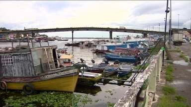 Cheia do Rio Negro deixa Manaus em situação de alerta - As zonas sul e oeste da capital são as mais afetadas e 3,5 mil famílias devem ser atingidas. No estado, outros 29 municípios estão em alerta e 13 em situação de emergência.