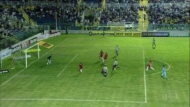 Pela Série B, dois empates: Ceará 0 x 0 Boa Esporte e Brasil de Pelotas 1 x 1 Londrina - Na partida do Rio Grande do Sul, houve ainda uma confusão com o goleiro do Londrina