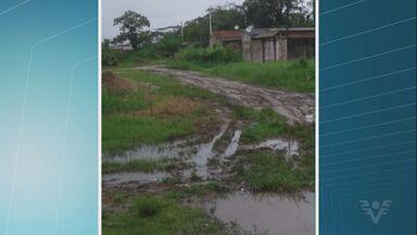 Moradores reclamam de acúmulo de lama em Itanhaém, SP - Problema acontece no Jardim Itapel