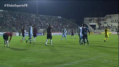 Londrina arranca empate em Pelotas, mas termina jogo com briga - Conquista do primeiro ponto na Série B fica em segundo plano depois da confusão entre o goleiro Zé Carlos e o zagueiro Luizão