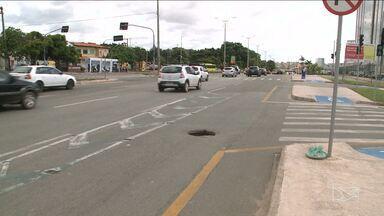 Bueiros sem tampa representam risco para motoristas e pedestres em São Luís - Bueiros sem tampa representam risco para motoristas e pedestres em São Luís