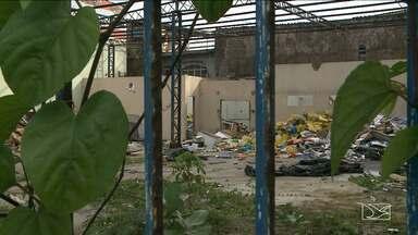 Galpão abandonado preocupa moradores do Centro de São Luís - Galpão abandonado preocupa moradores do Centro de São Luís