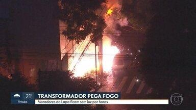 Transformador pega fogo e deixa a Lapa sem energia elétrica - Fogo intensou quase atingiu um carro estacionado.