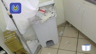 Salário de mais de 200 trabalhadores do setor de limpeza das UBSs estão sem receber - Pacientes e parentes reclamam de sujeira nas unidades.