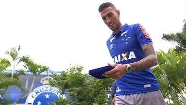Grandalhão Rafael Marques chega para aumentar as opções de ataque no Cruzeiro - Grandalhão Rafael Marques chega para aumentar as opções de ataque no Cruzeiro